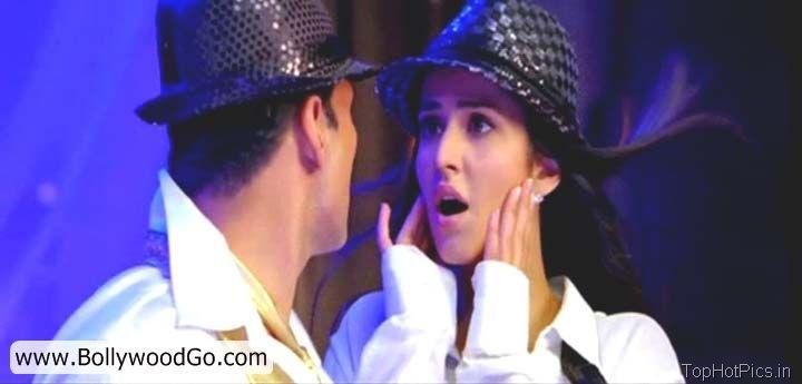 Katrina Kaif Hot Pics Shelia ki Jawani Dance 13