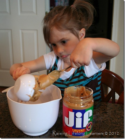 1/2 cup peanut butter