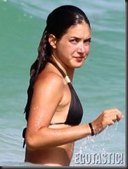 Alaia-baldwin-in-a-pink-bikini-in-miami-beach-13-675x900