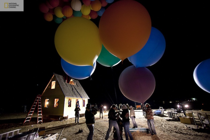 Flying-Balloon-House-Inspired-by-Disney-Pixar-Movie-Up-2.jpg