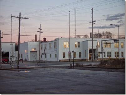 092 Waukesha - White Building