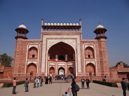 10. Poarta Taj Mahal.JPG