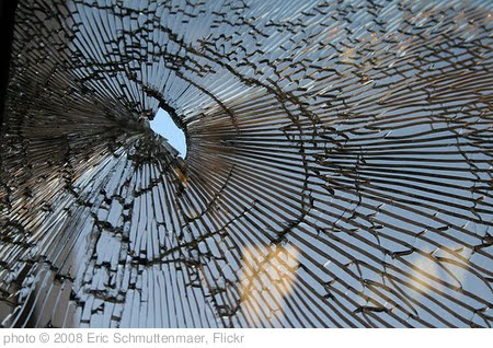 'Broken Glass at Work-6' photo (c) 2008, Eric Schmuttenmaer - license: http://creativecommons.org/licenses/by-sa/2.0/