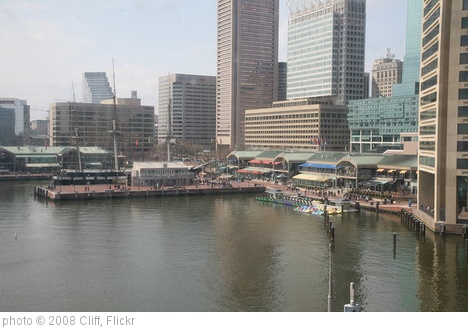 'Inner Harbor Restaurants' photo (c) 2008, Cliff - license: http://creativecommons.org/licenses/by/2.0/