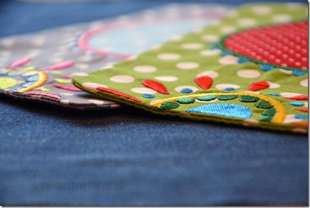 4 von 7 Sachen - Cup Carpets gestickt