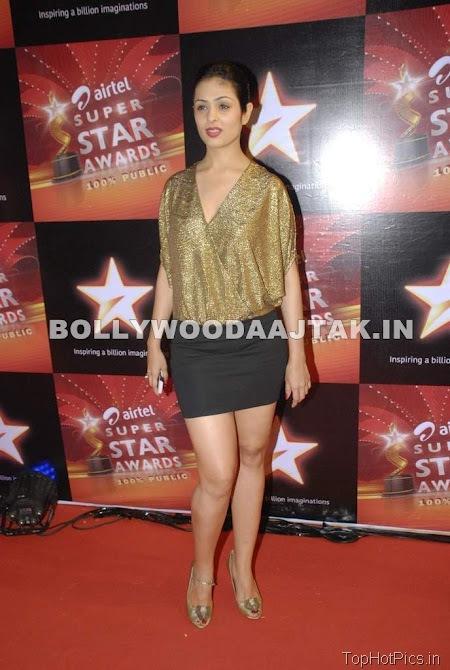 Anjana Sukhani Hot Pics in Golden Dress 8