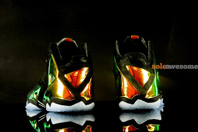 nike lebron 11 nsw sportswear ext kings crown 1 03 Detailed Look at Kings Crown LeBron 11 EXT (677693 001)