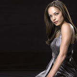 kristin-kreuk-1600x1200-32653.jpg