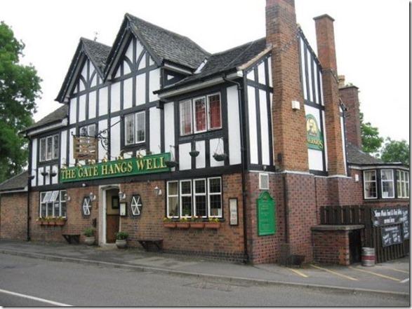 strange-pubs-britain-16