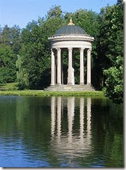 220px-Apollotempel_Nymphenburg_Muenchen-2