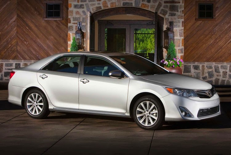 2014_toyota_camry-pic-4521087175571737994