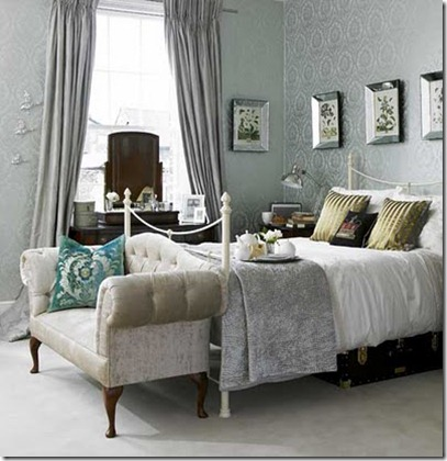 damask-bedroom