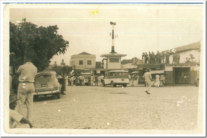 Centro da cidade com destaque para os altofalantes da Rádio Cultura dos Palmares, que na época funcionava na Rua Cel. Izácio