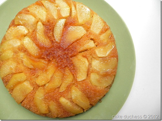 warm-apple-cornmeal-upside-down-cake-3