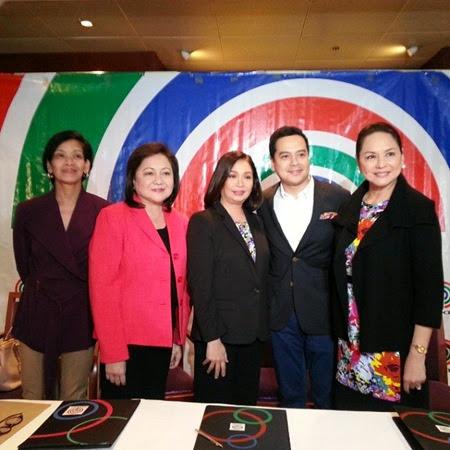 John Lloyd Cruz with ABS-CBN executives
