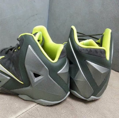 nike lebron 11 gs dunkman 2 02 First Look at Nike LeBron XI Dunkman in Kids Version