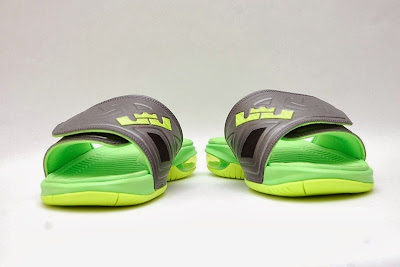 nike air lebron slide 3 volt 1 02 Air LeBron Slide 3 Elite Uses a Classic Dunkman Look