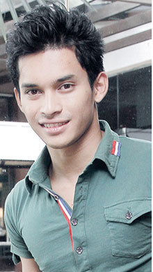 aeril zafrel, biodata aeril zafrel, aeril zafrel seksi,gambar