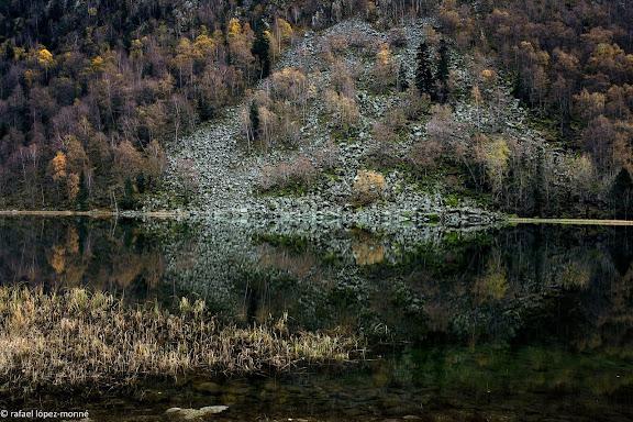 L'estany de Llebreta.Parc Nacional d'Aigues Tortes i Estany de Sant Maurici.La Vall de Boi, Alta Ribagorca, Lleida