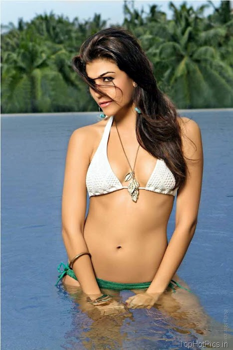 Archana Vijaya Latest Hot Photo Shoot Pics 11