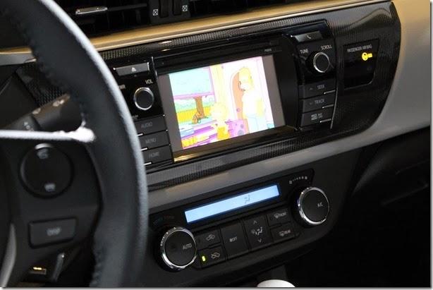 Toyota Corolla 2015 (38)_1600x1067