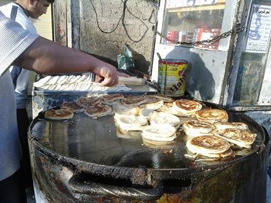 Preparing Chota Lachay-daar Paratha