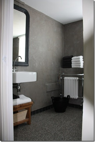 Thuis de badkamer - Badkamer zwarte vloer ...