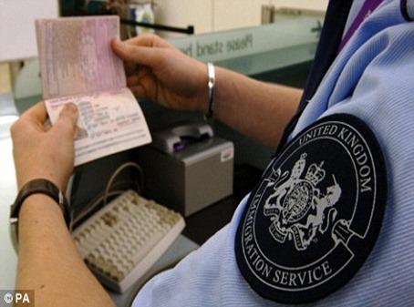 Conferindo-o-passaporte