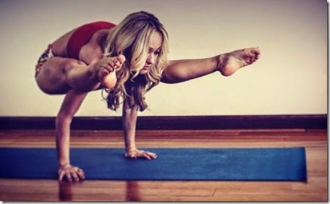 kino-macgregor-yoga-045