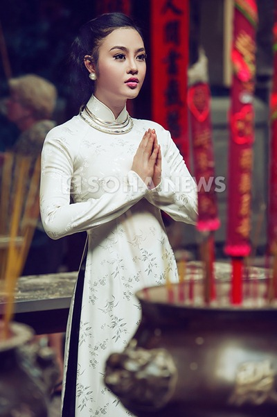 julia-ho-dam-tham-ao-dai-xua (4)