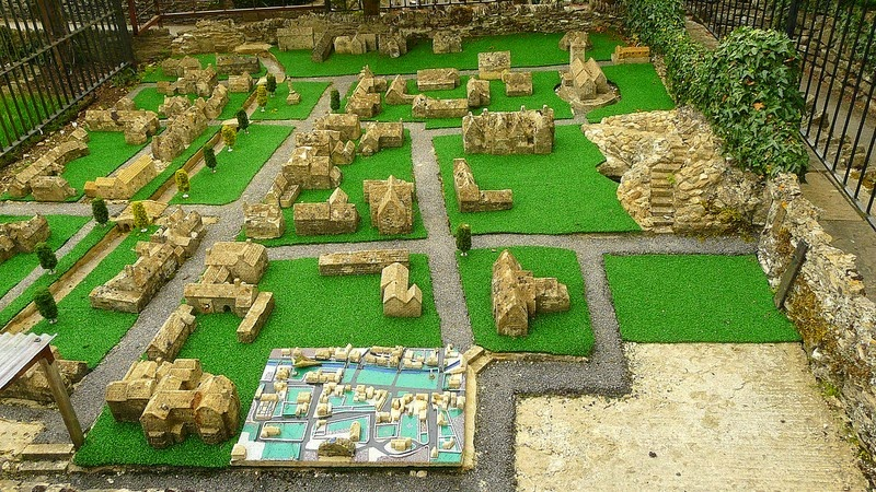 bourton-model-village-15