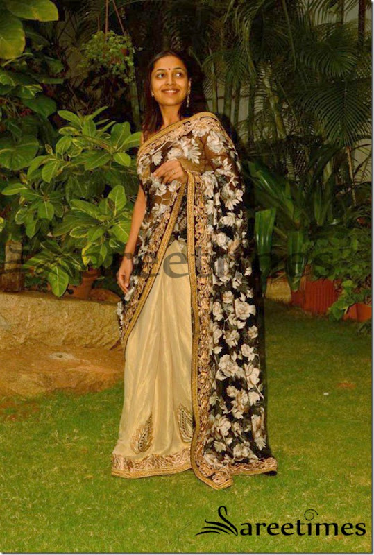Embroidered_Net_Saree