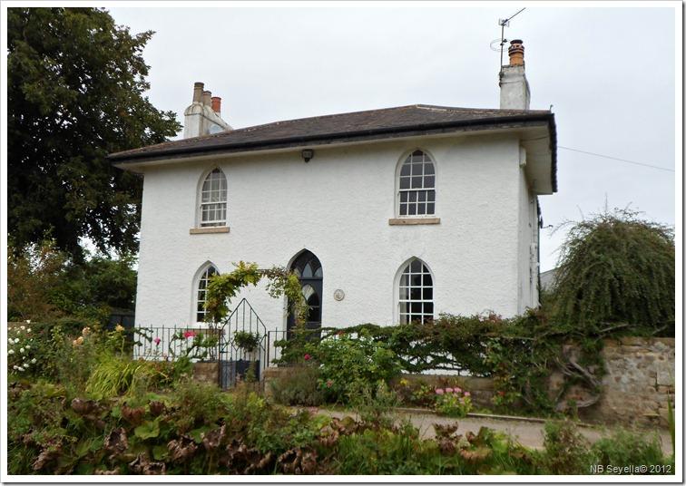 SAM_3211 Lock Cottage