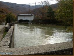 Embalse central hidroeléctrica - Ruta megalítica de Olaldea