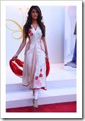 Crescent-Summer-Lawn-By-Faraz-Manaan-In-Karachi-Fashion-Show-2012-15