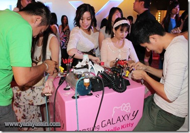 Samsung Galaxy Y Hello Kitty  244