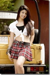 akanksha_puri_new_stylish_still