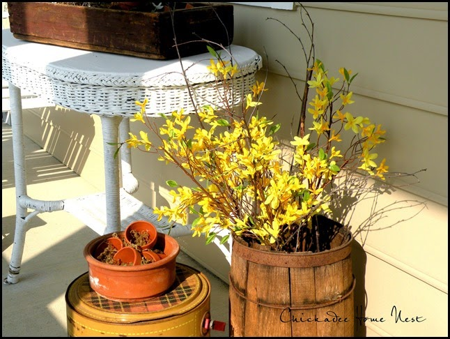 Spring Decor, Chickadee Home Nest