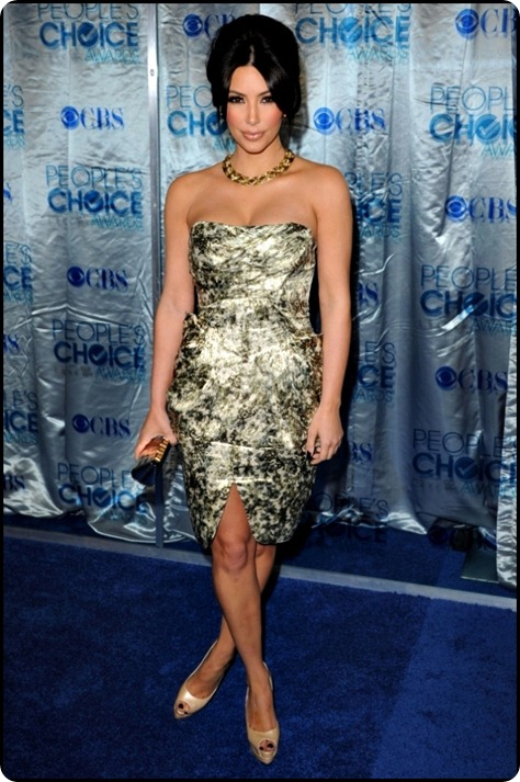 kim-kardashian-clothes-fashion-at-2011-peoples-choice-awards