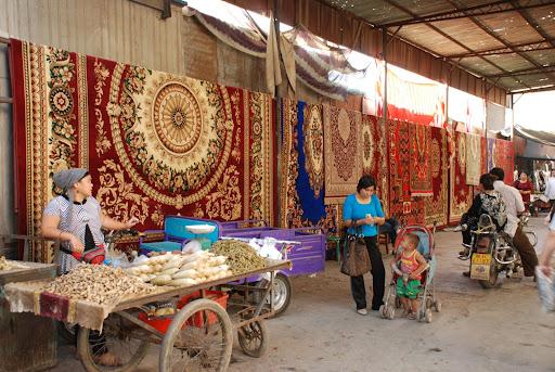 Turfan - Marchands et tapis