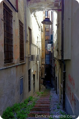genoa-narrow-street