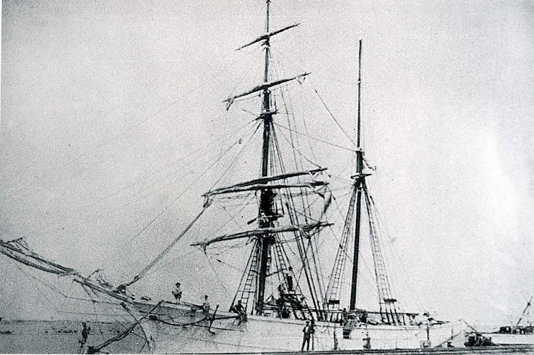 Bergantin goleta JOVEN PURA en el puerto de Gandia. Año 1902. Foto del libro LOS ULTIMOS VELEROS DEL MEDITERRANEO.TORREVIEJA MARINERA.TOMO II.jpg