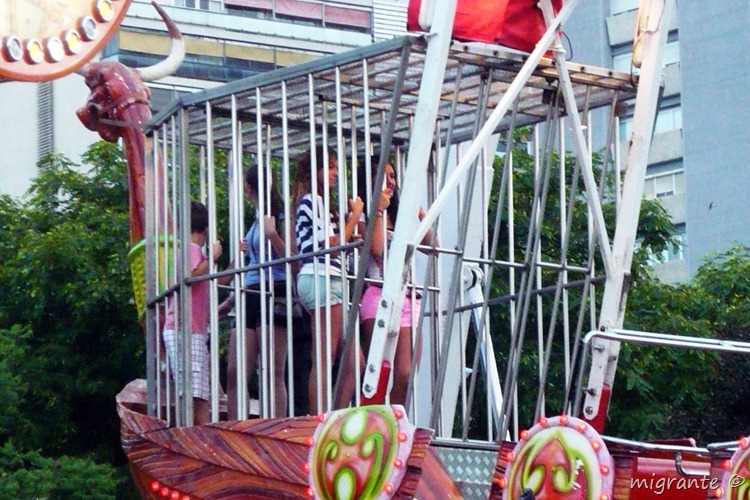 jaula de barca vikinga - feria de julio valenciana