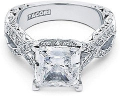 tacori-royalt-twist-princess-cut-diamond-engagement-ring-ht2606pr-1-C.png