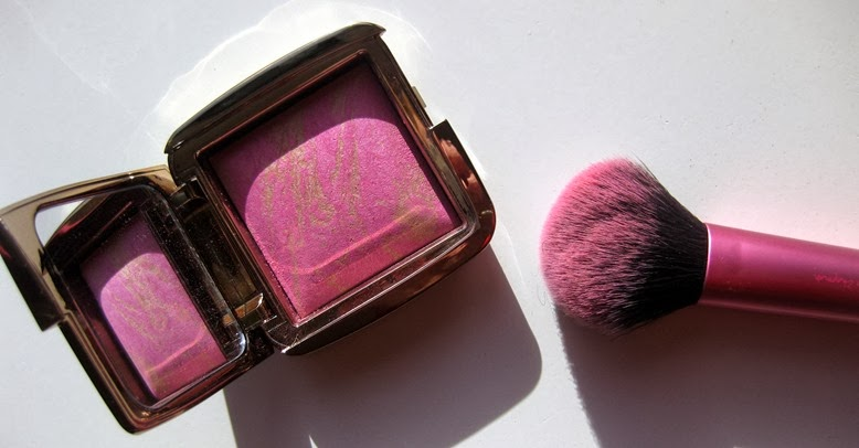 Hourglass-Ambient-Lighting-Blush-Radiant-Magenta-pics