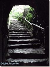 Pasillo de entrada al santuario de San Juan Xar - Cinco Villas