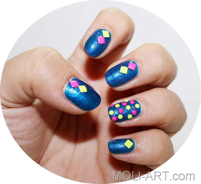 nail-art-neon-studs