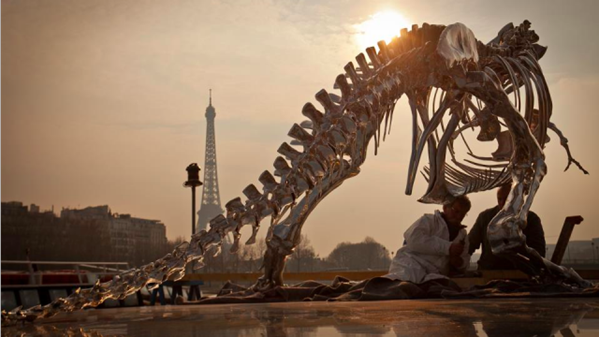 Tiranossauro Rex cromado 2