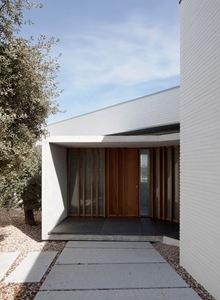 fachada-Casa-Elena-arquitectos-TASH