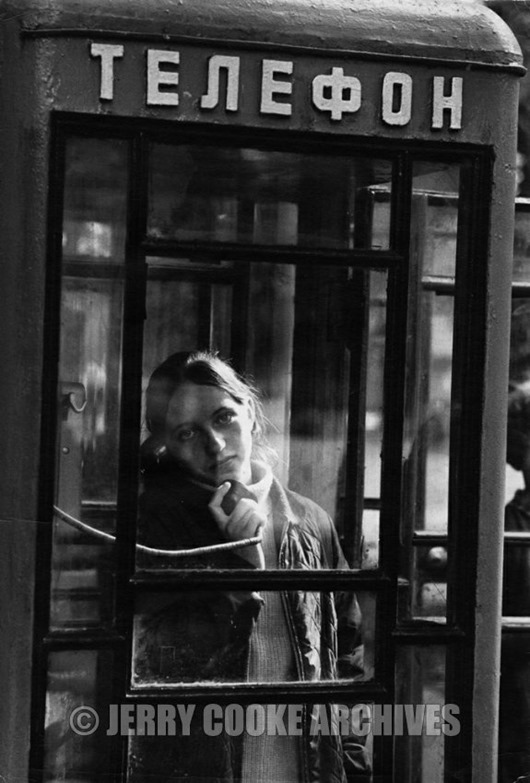 moscow-young-girl-on-public-telephone-russia-1960s